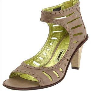Tsubo Women's Nepra Ankle Strap Heels.